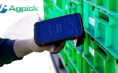 AgPick UHF gun scanning trays in a stack